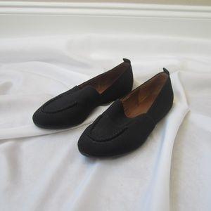 Donald Pliner 8 Black Fabric Stretch Slip On Shoe